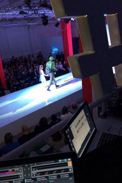 green_man_at_fashion_show
