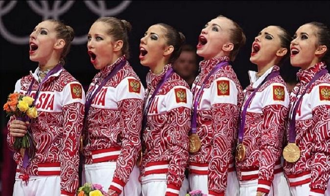 1346921724_b_junye_rossijskie_olimpijskie_chempionki_pojut_gimn_uchites_gospoda