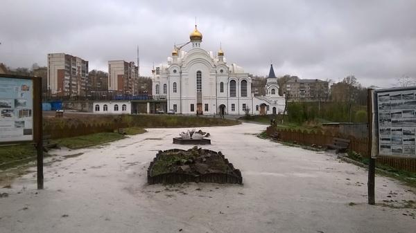 Дорожка кхраму ввиде реки (11.05.2015)