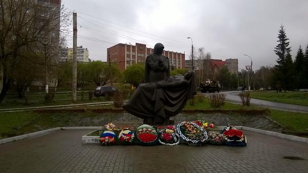 Необычный монумент павшим (11.05.2015)
