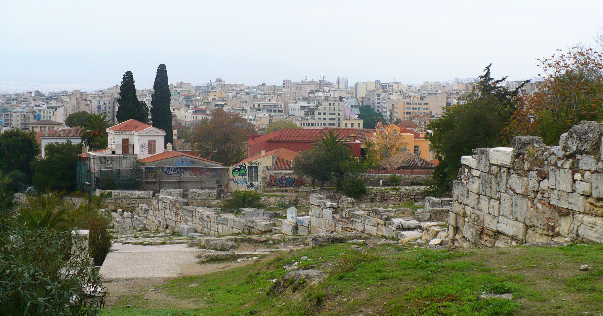 acropolis_right_behind_you