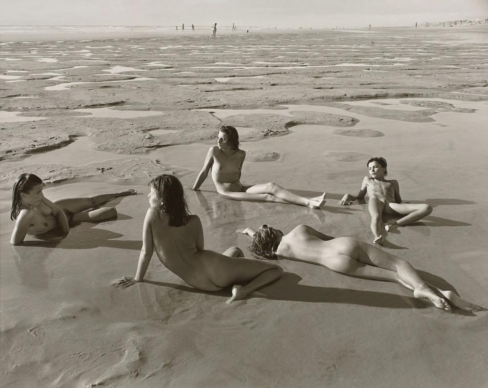 ALEXANDRAS, JEANNE, MARINE ET GAELLE, MONTALIVET, FRANCE, 1987