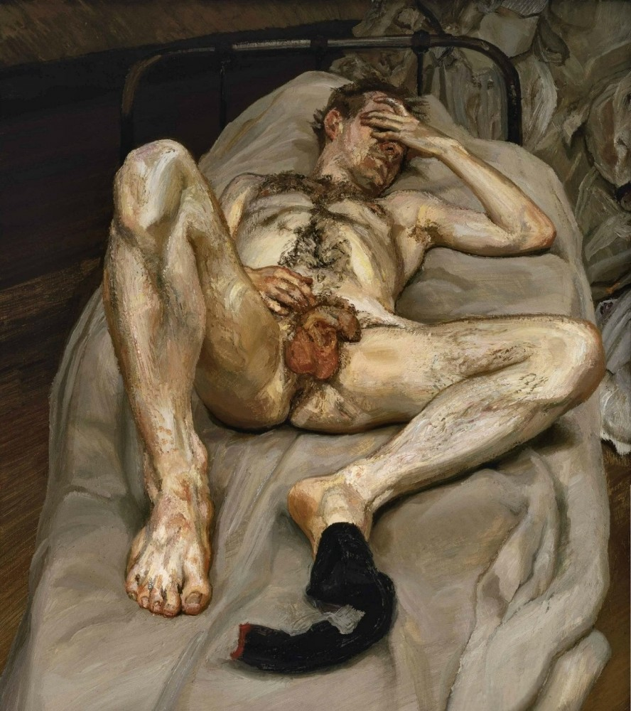 011_Naked man in bed