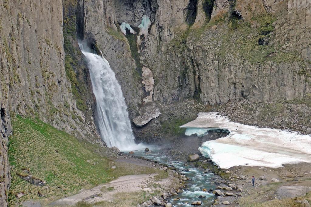 Водопад Каракая-Су