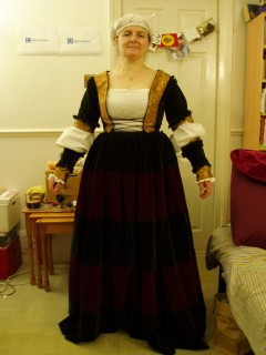 laced bodice and separate lower sleeves