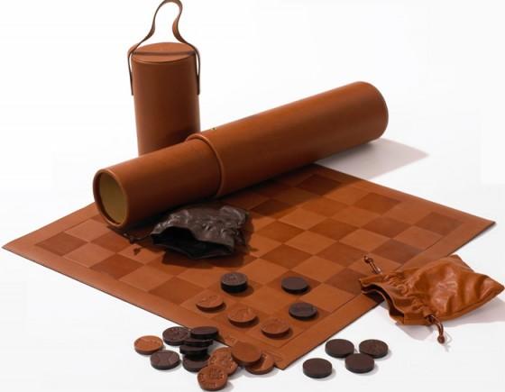 szachy-skórzane-1-560x435