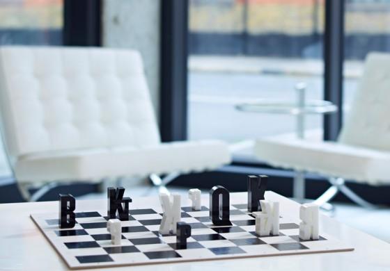 szachy-typograficzne-1-560x390