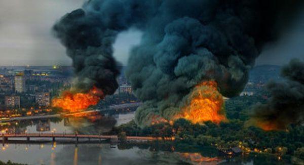 в Донецке горят жилые дома