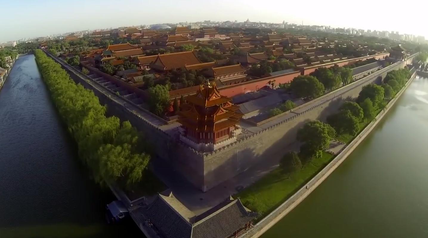 Лучшие видео 2014 года снятые при помощи дронов