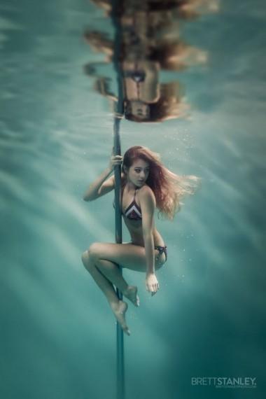 Подводные танцы на пилоне