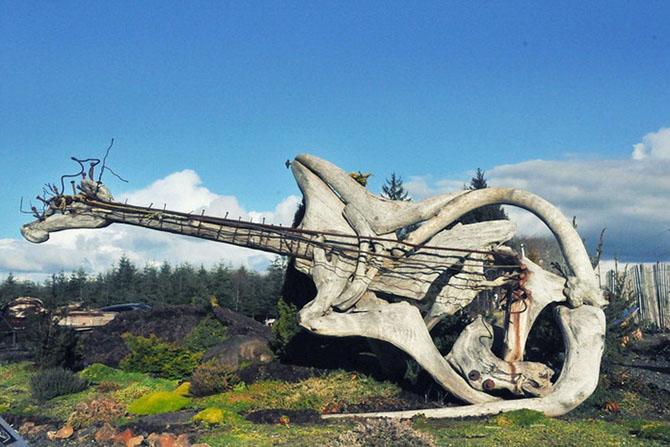 Сказочные скульптуры из коряг