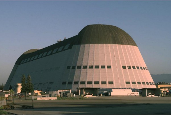 GOOGLE арендовала у NASA гигантские ангары для секретных проектов