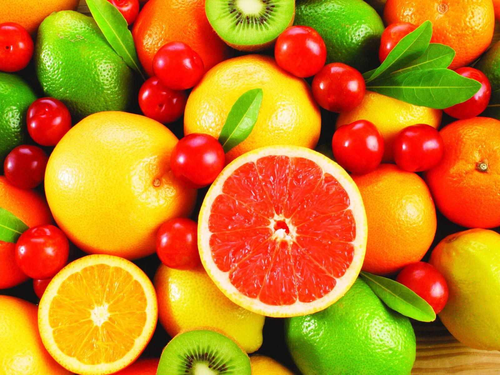 Ягоды и цитрусовые