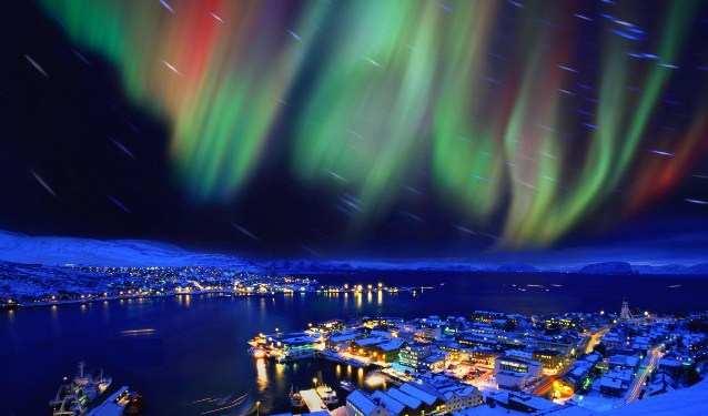 Северное и южное полярное сияние