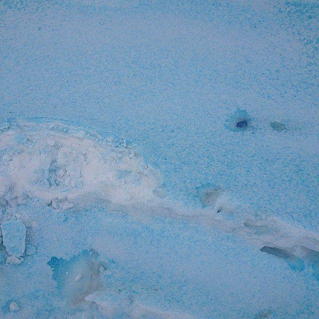 синий снег в Челябинске
