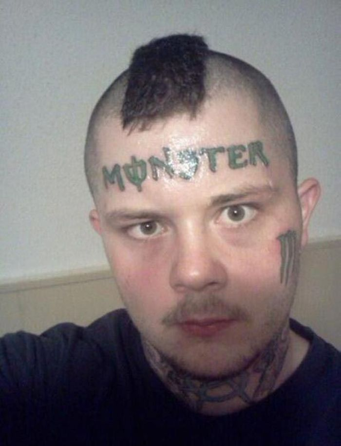 неудачная идея татуировки на лице