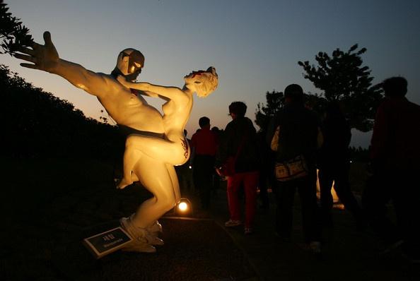 скульптуры любви в Корее