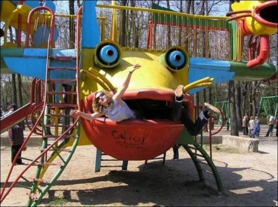 Жуткие детские игровые площадки