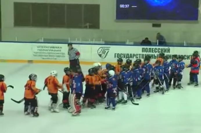 Видео как украинские и белорусские дети подрались