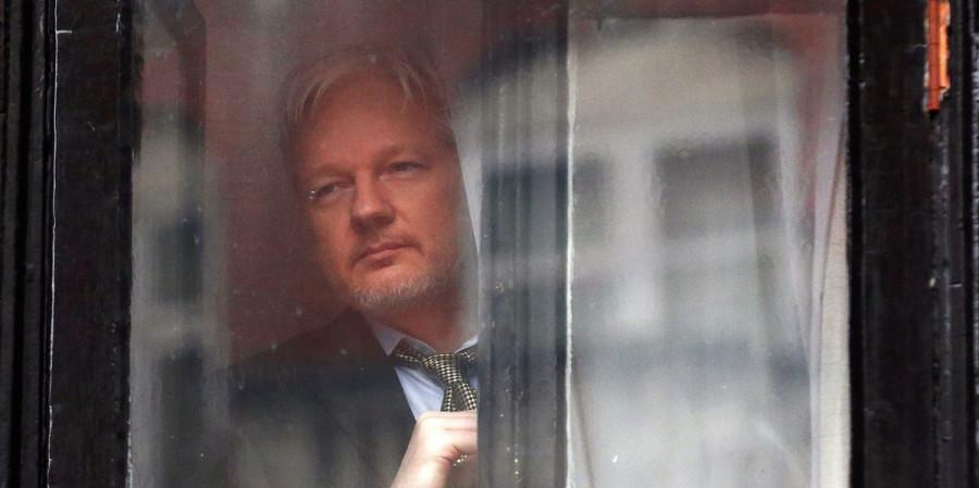Почему Ассанж до сих пор жив или чего боится Джон Керри