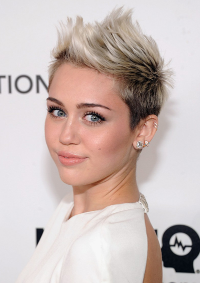miley-cyrus-elton-john-oscars-party-2013-02b