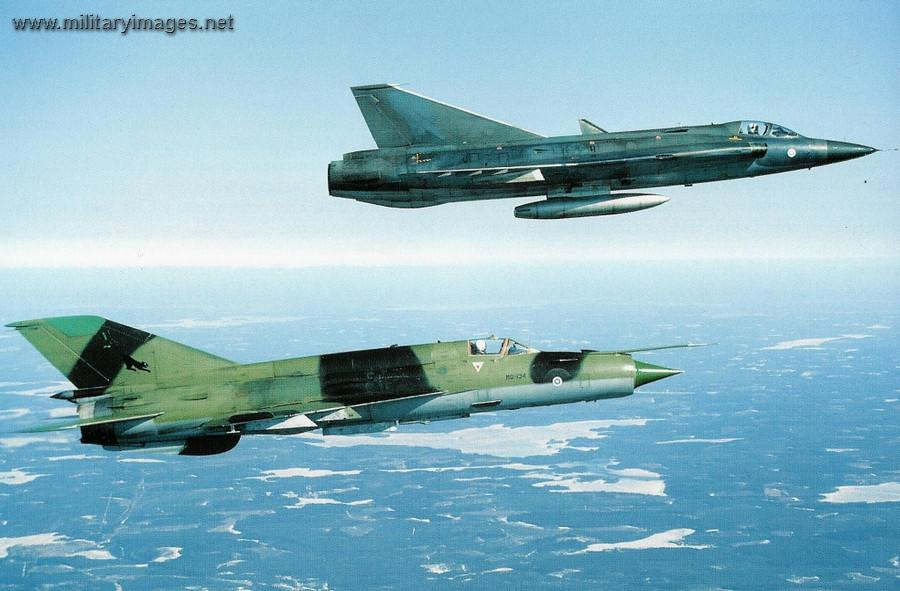 Saab_35FS_Draken_and_MiG-21bis (1).jpg