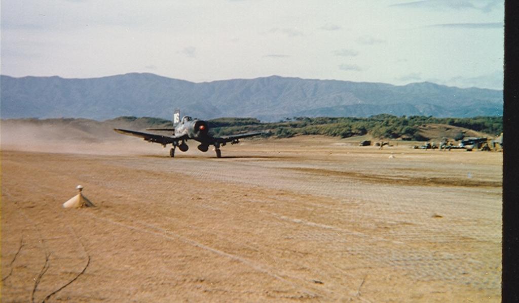 F4U-4BCorsairaircraftofVMF-323revvinguponfieldK-1inKorea-1