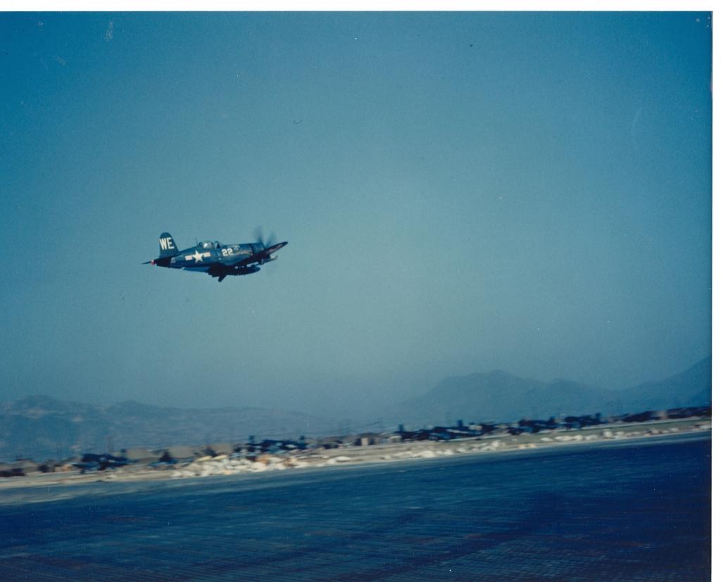 F4U-4CorsairaircraftofVMF-214isinflightnearK-1Korea