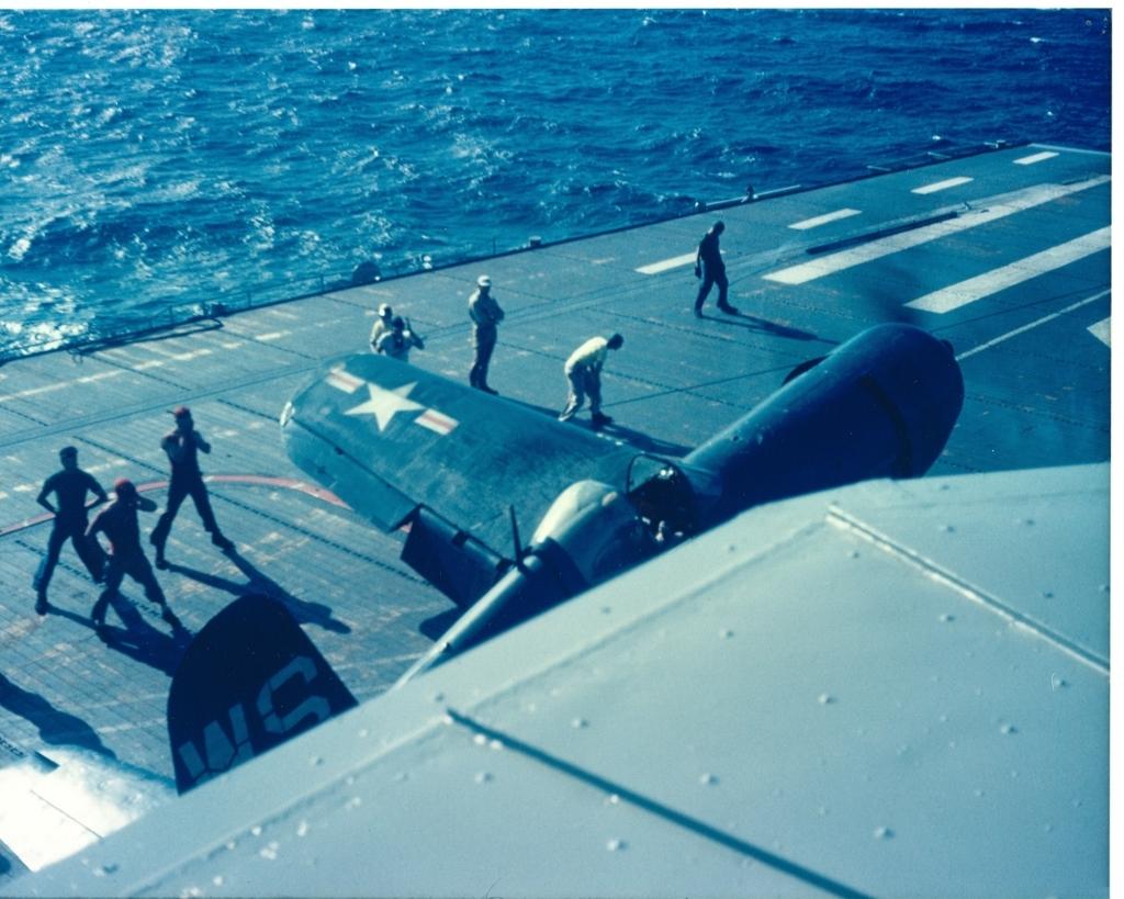 F4U-4CorsairaircraftofVMF-323landingontheUSSSicilyCVE-118inKoreanwaters-1