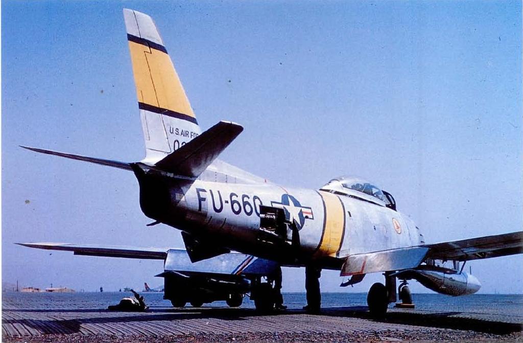 F-86E-5-NASabre50-0660-Korea