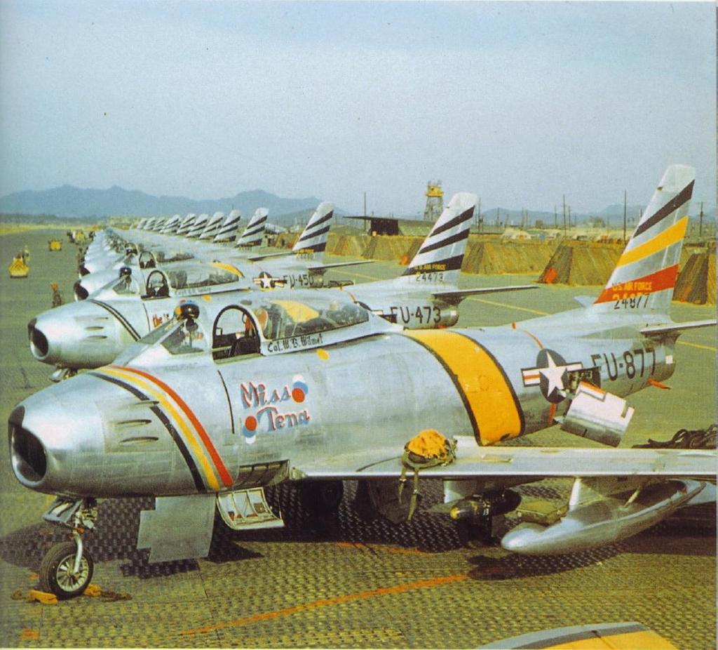 F-86F-30-NASabre52-4877-Korea