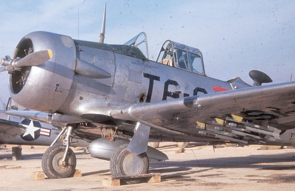 North-American-T6D-1951-2