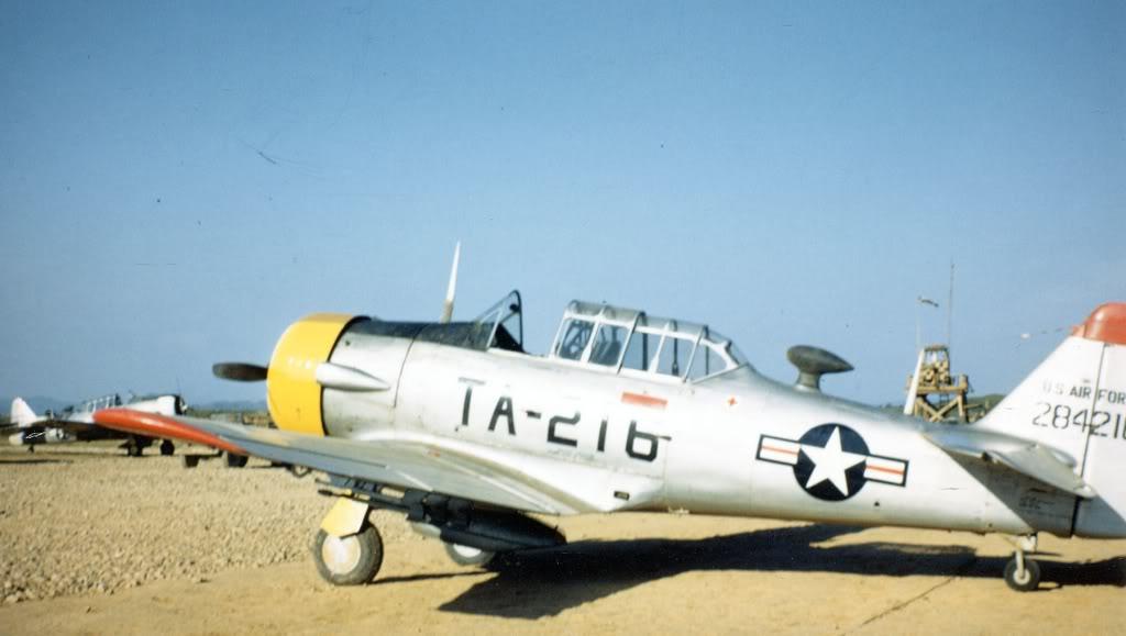 North-American-T6D-1951-3