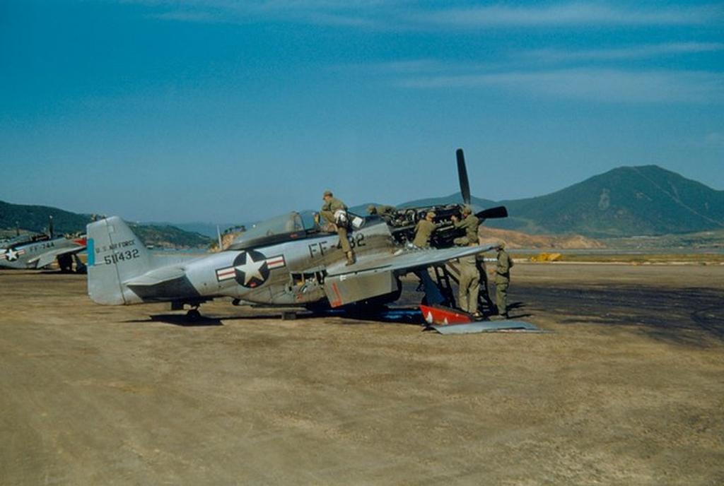 P-51D-25-NTMustang45-11432-Korea