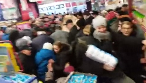 Давка в польском супермаркете