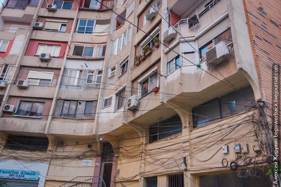 Архитектура Тираны, яркая и многогранная -