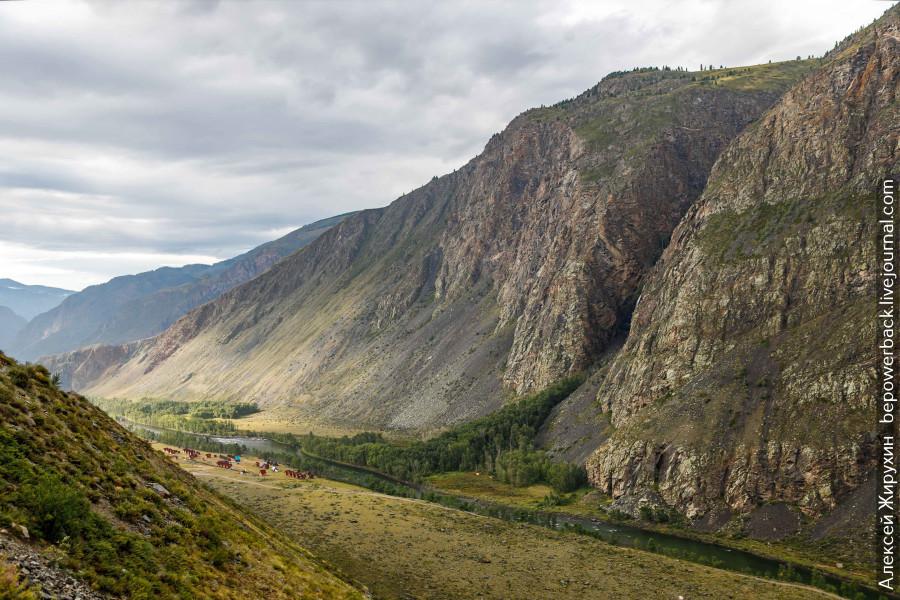 Кату-Ярык - самый страшный и опасный перевал Горного Алтая Чулышман, долину, поворотов, этого, дороге, перевала, чтобы, можно, Источник, КатуЯрык, httpszenyandexrumediabepowerbackstrashnyiiopasnyikatuiaryk5c36d7fd561f7a00aa62e6af, склону, автомобиле, Телецкого, Алтае, спуска, газировка, серпантины, мечты, автомобиль