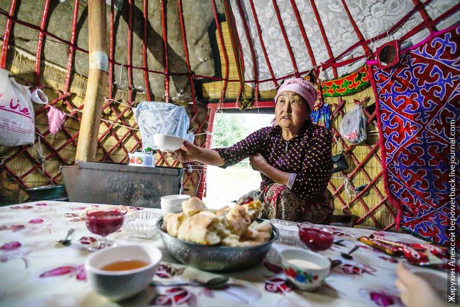 Как живут в киргизской юрте