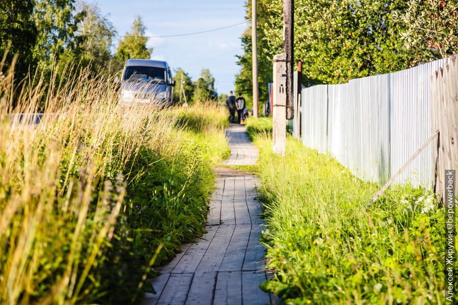 Интересная особенность тротуаров на севере России