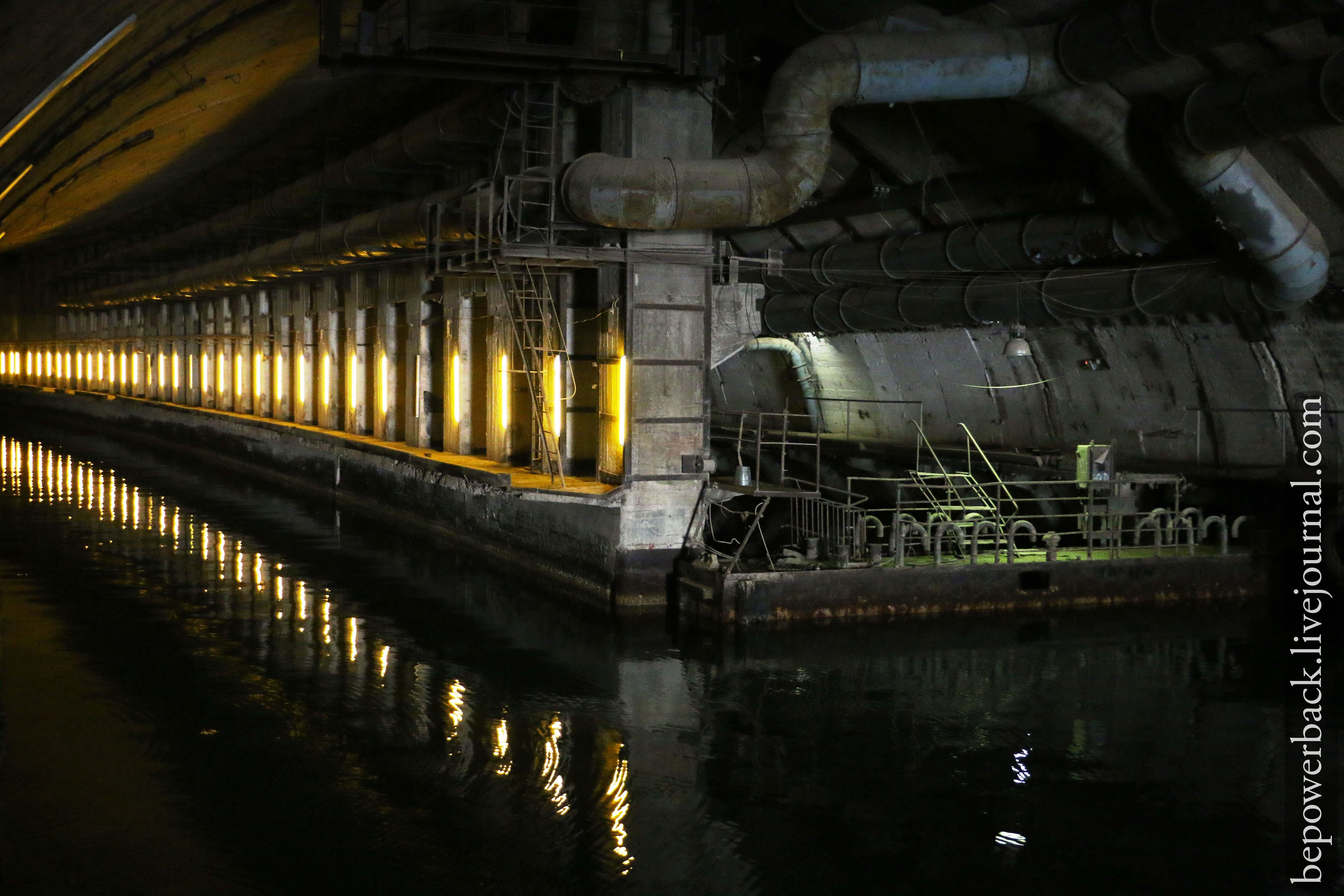 фотографиями балаклава база подводных лодок фото этом еще