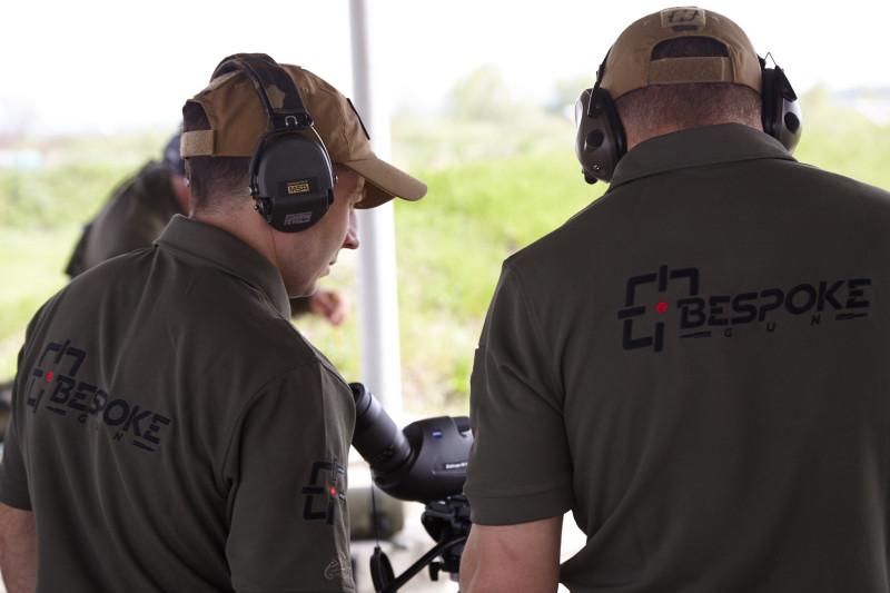 Спортсмены с уникальными отечественными высокоточными винтовками Bespoke Gun заняли первые места в упражнении «Дальний выстрел» на дистанциях 1016 и 1384 метра