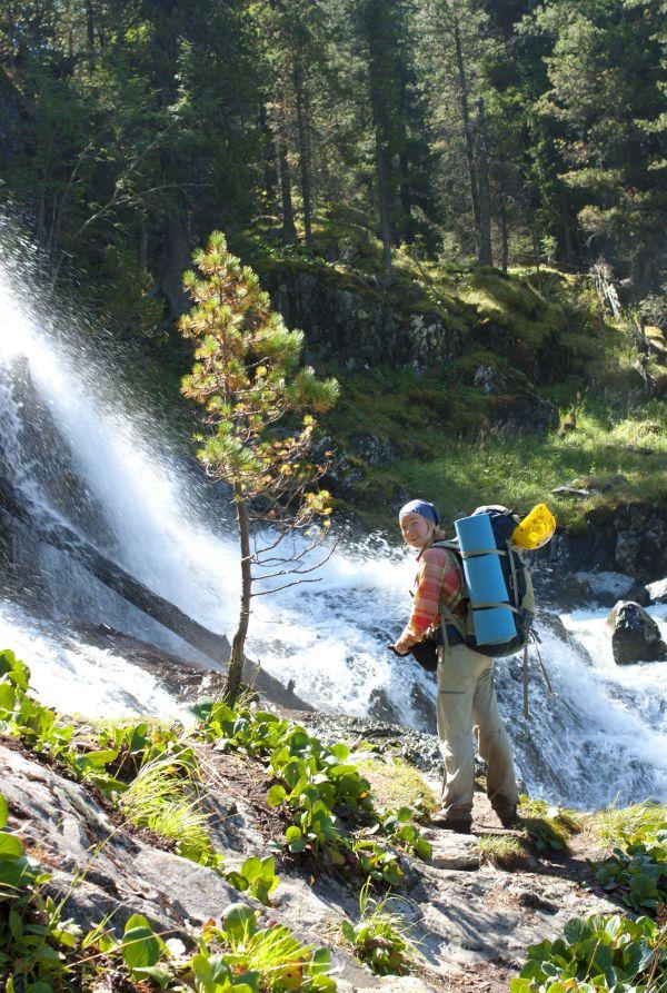 Настя на водопаде