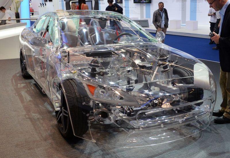 прозрачный автомобиль