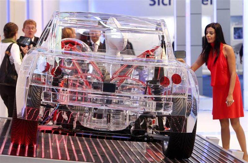 прозрачный автомобиль4