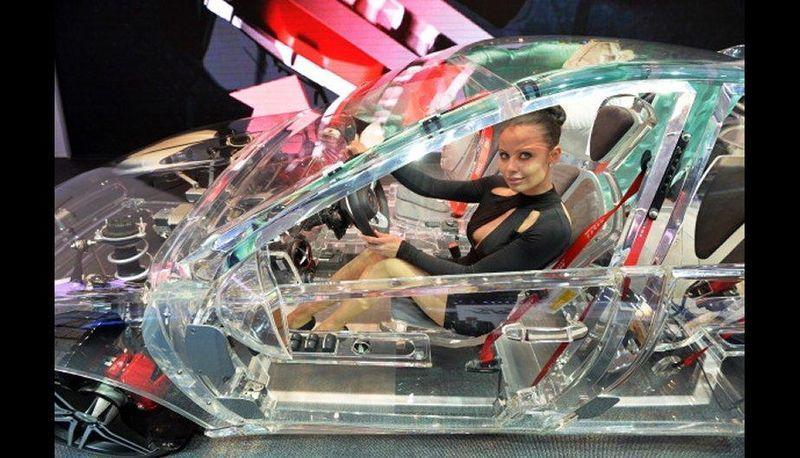 прозрачный автомобиль6