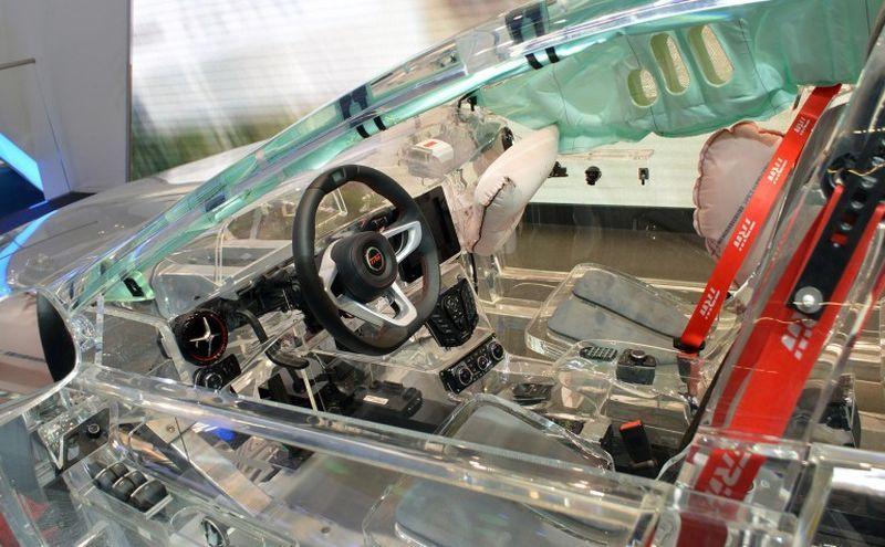прозрачный автомобиль7