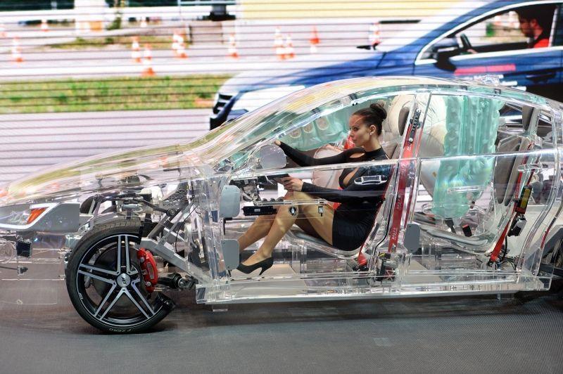 прозрачный автомобиль8