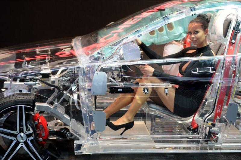 прозрачный автомобиль9