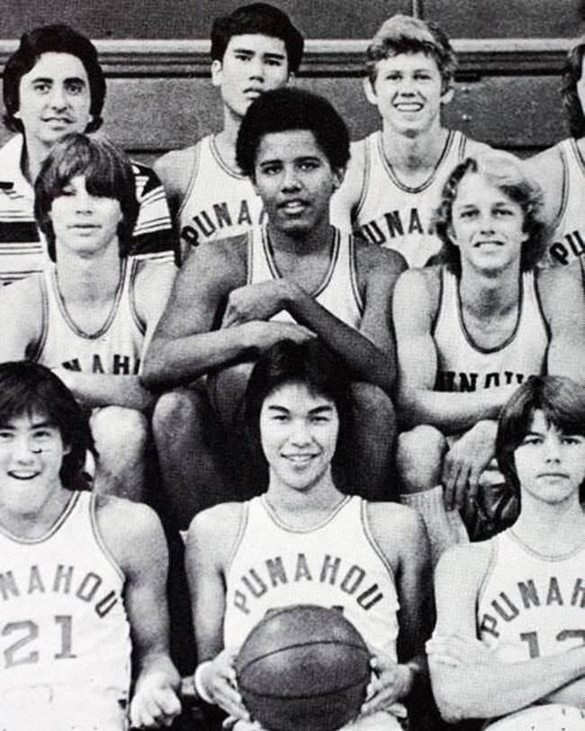 Барак-Обама-в-старших-классах-в-баскетбольной-команде