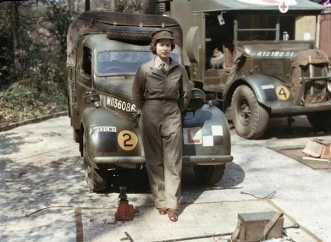 Королева-Елизавета-во-время-ее-службы-в-период-Второй-мировой-войны
